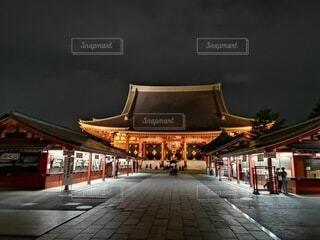 静かな浅草寺の写真・画像素材[4065060]