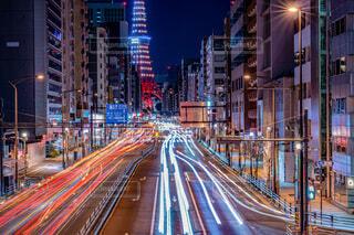 建物,東京タワー,夜,夜景,屋外,東京,都市,タワー,都会,道,長時間露光,通り,港区,光跡,札の辻,2021,三田通り