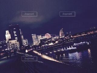 海,夜,夜景,水面,高層ビル