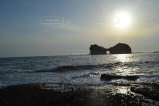 自然,風景,海,夕日,夕焼け,海岸,岩,海洋地形