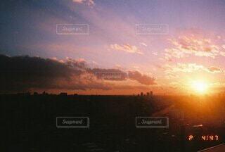 自然,空,夕日,夜,屋外,太陽,雲,夕焼け,夕暮れ,日の出