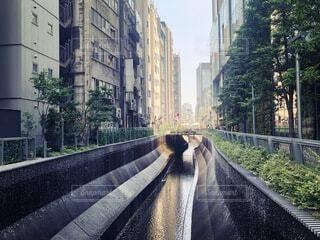 風景,空,建物,屋外,小川,樹木,都会,道,歩道,鉄道,通り,日陰,裏道,日中