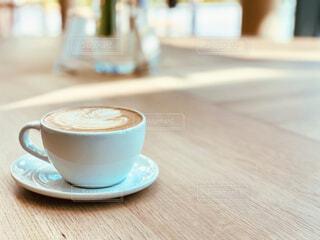カフェ,春,コーヒー,テーブル,リラックス,癒し,座る,マグカップ,食器,グラス,カップ,カプチーノ,エスプレッソ,紅茶,カフェオレ,おうちカフェ,ドリンク,ラテ,フラットホワイト,アフタヌーンティー,ミルクティー,おうち,コーヒー牛乳,ライフスタイル,調理器具,カフェイン,飲料,モカ,ホワイトコーヒー,マキアート,食器類,おうち時間,受け皿,コーヒー飲料,たんぽぽコーヒー,癒され時間
