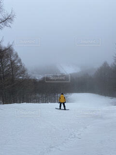 冬,雪,屋外,雪山,霧,山,運動,冷たい,スノーボード,ウィンタースポーツ,スノーボーダー