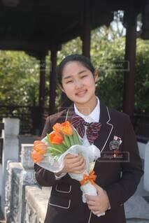 卒業生と花束の写真・画像素材[4295256]