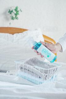 インテリア,屋内,雪,植物,ボトル,家具,枕,寝具,ベッド,ファブリック,レールデュサボン,センシュアルタッチ,せっけんの香り,ファブリックスプレー