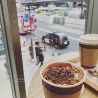 カフェ,コーヒー,テーブル,都会,ドリンク,ココア,一息,ホット,くつろぎ,待ち合わせ