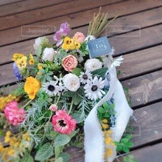 花,屋外,花束,花瓶,バラ,薔薇,フラワーアレンジ,木目,花柄,草木,花屋,切り花