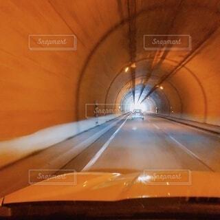 家族,車,オレンジ,光,居眠り,旅行,旅,トンネル,未来,明るい,デート,新しい,長い