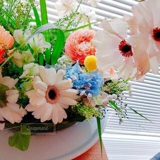 花,花束,花瓶,バラ,薔薇,テーブル,皿,花柄,草木