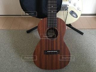 ウクレレ,ギター,床,楽器,音楽,音響,エレキギター,弦楽器