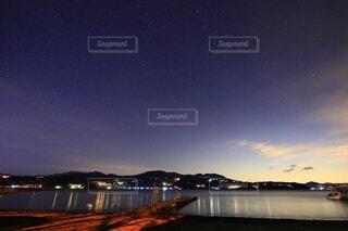 風景,空,夜,夜空,湖,星空,水面,星,山中湖,星景,双子座流星群