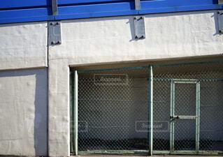 建物,屋外,青,窓,陸橋,ドア,フェンス,ブルー,柵,通り