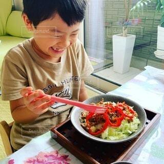 食べ物,屋内,子供,皿,人,料理,こども,タコライス