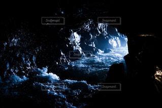 自然,屋外,ジュース,夕暮れ,暗い,水面,景色,洞窟,焚き火,寺,焚火,飲料,山腹