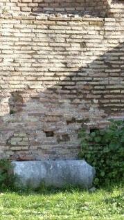 建物,屋外,海外,緑,白,ローマ,レトロ,レンガ,草,背景,古い,岩,壁,煉瓦,廃墟,イタリア,石,石垣,茶,草木,フォトジェニック,構造,れんが,れんが造り,建築材料