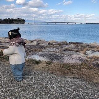 水辺のお散歩の写真・画像素材[4105090]