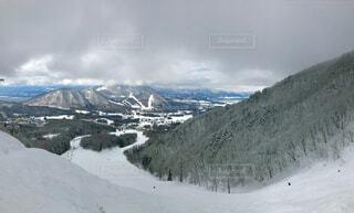 自然,空,冬,雪,雲,雪景色,山,スキー,運動,ゲレンデ,スノボー,リフト,スノーボード,雪化粧,斜面,ウィンタースポーツ,雪国