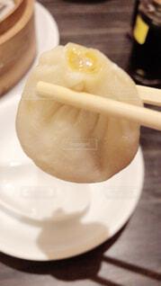 皿の上の食べ物のクローズアップの写真・画像素材[4098961]