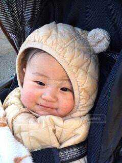 にっこり笑顔のかわいい赤ちゃんの写真・画像素材[4092878]