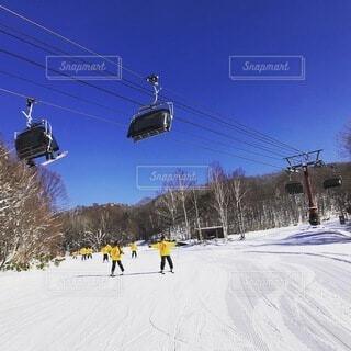 冬,雪,スキー,運動,ゲレンデ,スキー場,リフト,スノーボード,斜面,ウィンタースポーツ,日中,スキーリゾート,スキーヤー,スキーレッスン