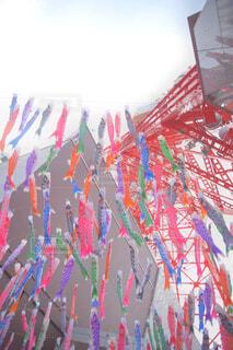 東京タワーとたくさんの鯉のぼりの写真・画像素材[4408619]