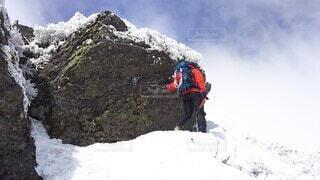 空,冬,雪,屋外,雪山,山,登山,丘,人,立つ,運動,ハイキング,冒険,山脈,ウィンタースポーツ,日中,安達太良山,山腹,山塊