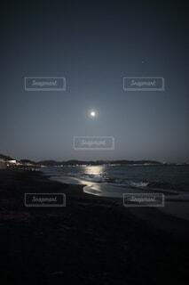 自然,風景,空,夜,屋外,ビーチ,水面,月,満月,七里ヶ浜