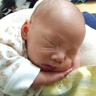 屋内,寝る,人物,人,癒し,赤ちゃん,可愛い,新生児,人間の顔