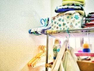 洗濯機の上の収納スペースの写真・画像素材[4148238]