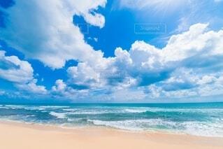 海の隣の砂浜の写真・画像素材[4150197]