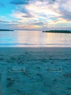 自然,風景,海,空,屋外,ビーチ,雲,砂浜,水面,海岸,景色,日の入り,フォトジェニック
