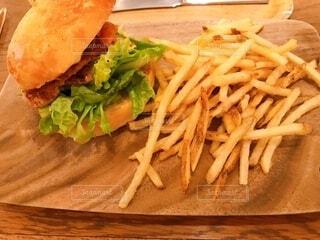 食べ物,ランチ,ハンバーガー,野菜,ワンプレート,フライドポテト,プレート,ファストフード