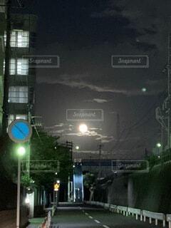 自然,風景,空,夜,月,中秋の名月,街路灯