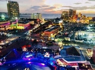 夜の都市の眺めの写真・画像素材[4113223]