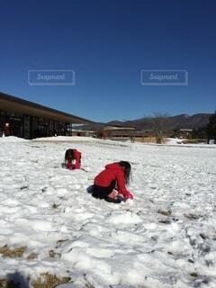 子ども,冬,雪,屋外,雪遊び