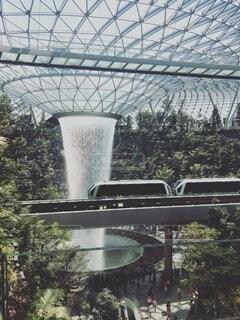 屋外,水面,樹木,噴水,草木,シンガポール国際空港,シンガポール国際空港ジュエル,屋内人工滝,世界一人工滝