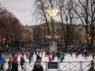 アイススケートを楽しむ人々の写真・画像素材[4118525]