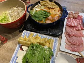食べ物,風景,ディナー,テーブル,皿,サラダ,鍋,肉,美味しい,夕食,キムチ,ファストフード,鍋料理
