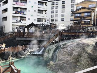 建物,温泉,水面,観光,旅行,煙,寒い,湯気,草津,硫黄,湯畑,息抜き,温泉行きたい