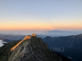 自然,風景,空,森林,雪,屋外,雲,夕暮れ,山,景色,丘,雲海,日の出,高原,北アルプス,景観,落葉,眺め,峡谷,山腹