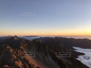 自然,空,森林,雪,屋外,雲,山,景色,雲海,日の出,高原,谷,北アルプス,景観,落葉,眺め,峡谷,山腹