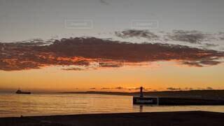 風景,空,屋外,湖,太陽,ビーチ,雲,夕暮れ,船,水面,日の出