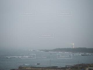 自然,空,屋外,ビーチ,水面,海岸,霧,灯台,岬