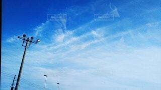 空,屋外,雲,青空,青い空,電柱,日中,すじ雲,筋雲,巻雲