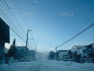 空,雪,屋外,雲,樹木,電線路,電源供給