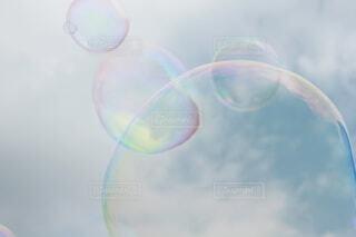 風景,空,雲,透明,シャボン玉,虹色,バブル,しゃぼんだま,しゃぼん玉,見上げた空