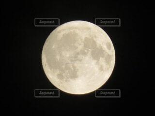 自然,風景,空,夜空,黒,暗い,月,満月,快晴,神秘,宇宙,望遠,月面,天文学
