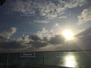 空,湖,太陽,ビーチ,雲,水面,くもり