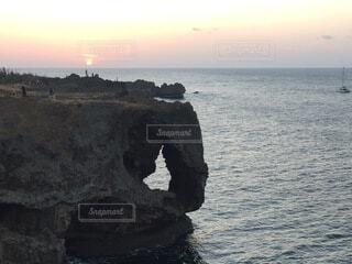 自然,風景,海,空,屋外,ビーチ,水面,海岸,山,岩,洞窟